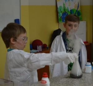 Vedecké pokusy - 4 | Krúžky v škole